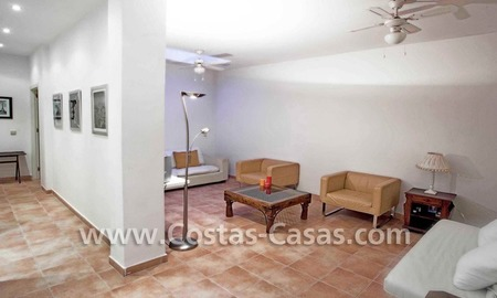 Cozy and trendy townhouse to buy on the Golden Mile in Marbella 21