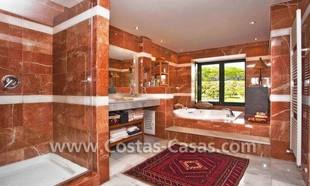 Cozy and trendy townhouse to buy on the Golden Mile in Marbella 20