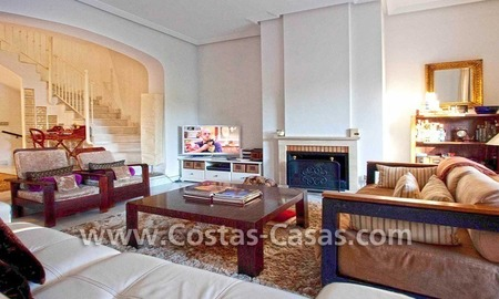 Cozy and trendy townhouse to buy on the Golden Mile in Marbella 13