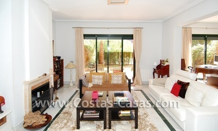 Cozy and trendy townhouse to buy on the Golden Mile in Marbella 11