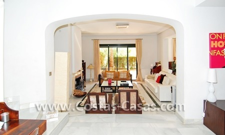 Cozy and trendy townhouse to buy on the Golden Mile in Marbella 14