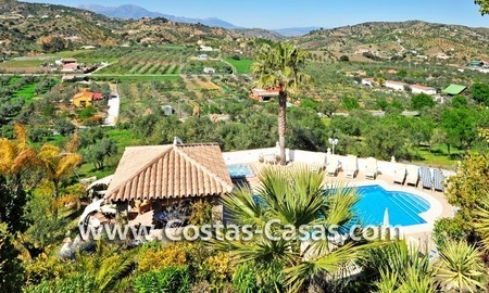 Villa – Finca - Country property for sale in Monda on the Costa del Sol, Andalusia, Southern Spain 9