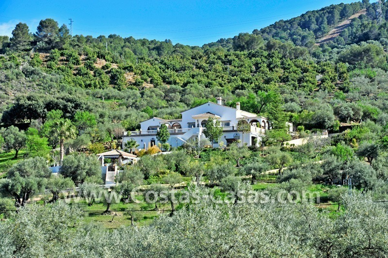 Villa – Finca - Country property for sale in Monda on the Costa del Sol, Andalusia, Southern Spain