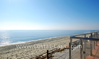 Frontline beach detached villa for sale on gated beachfront complex, Marbella - Estepona 6