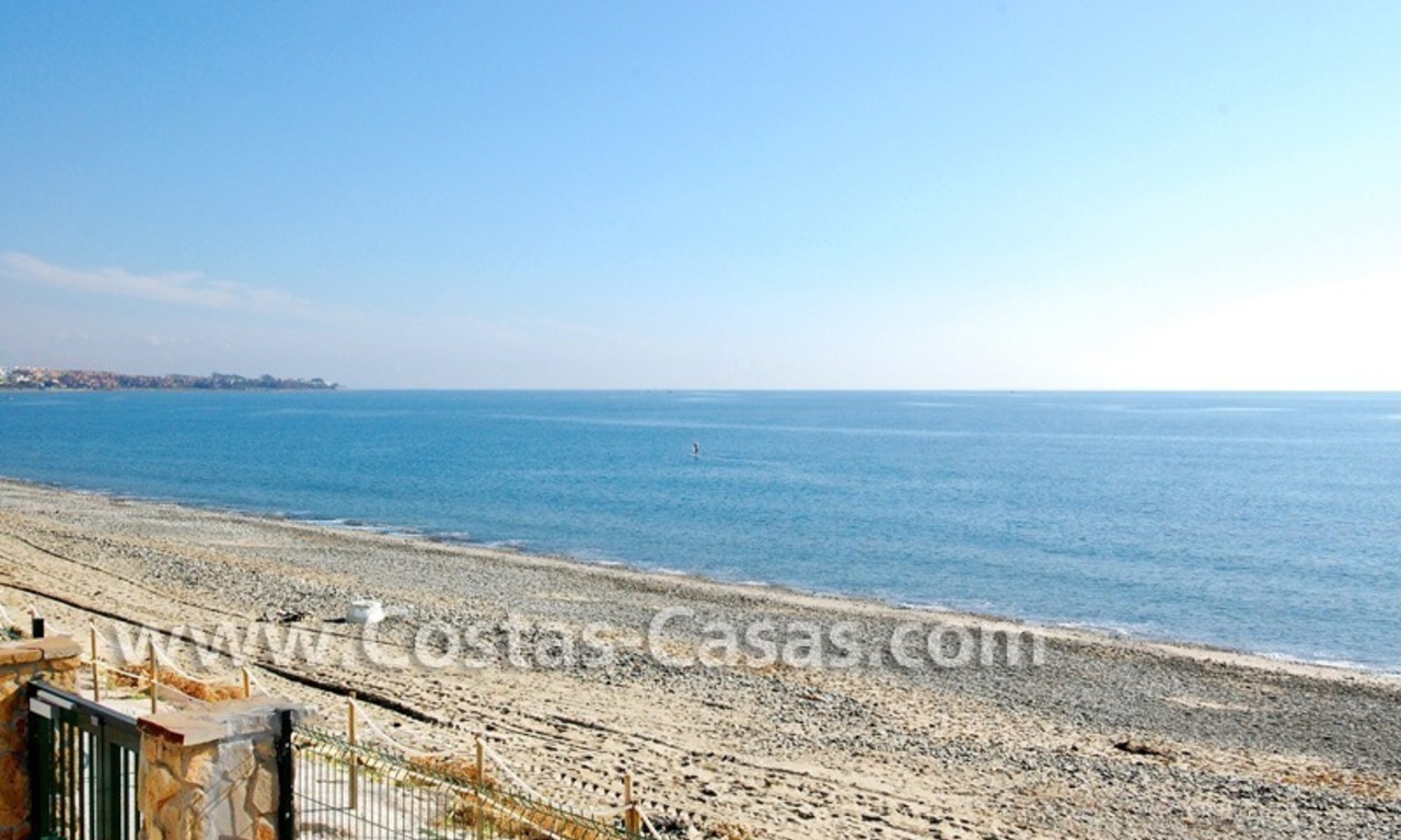 Frontline beach detached villa for sale on gated beachfront complex, Marbella - Estepona 5