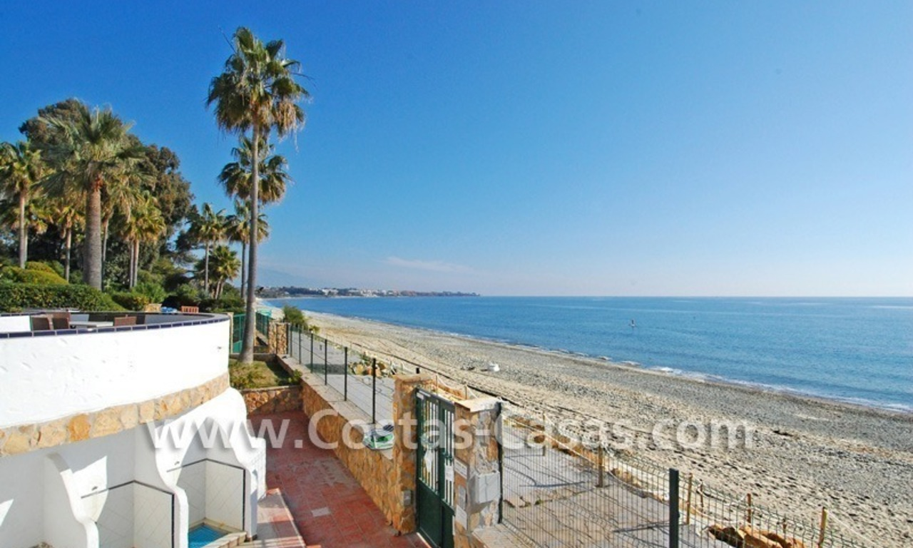 Frontline beach detached villa for sale on gated beachfront complex, Marbella - Estepona 4
