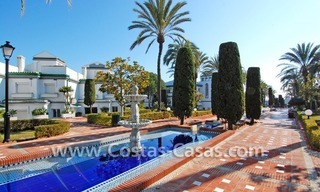 Frontline beach detached villa for sale on gated beachfront complex, Marbella - Estepona 28