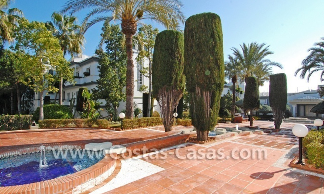 Frontline beach detached villa for sale on gated beachfront complex, Marbella - Estepona 29