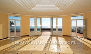 Frontline beach detached villa for sale on gated beachfront complex, Marbella - Estepona 13