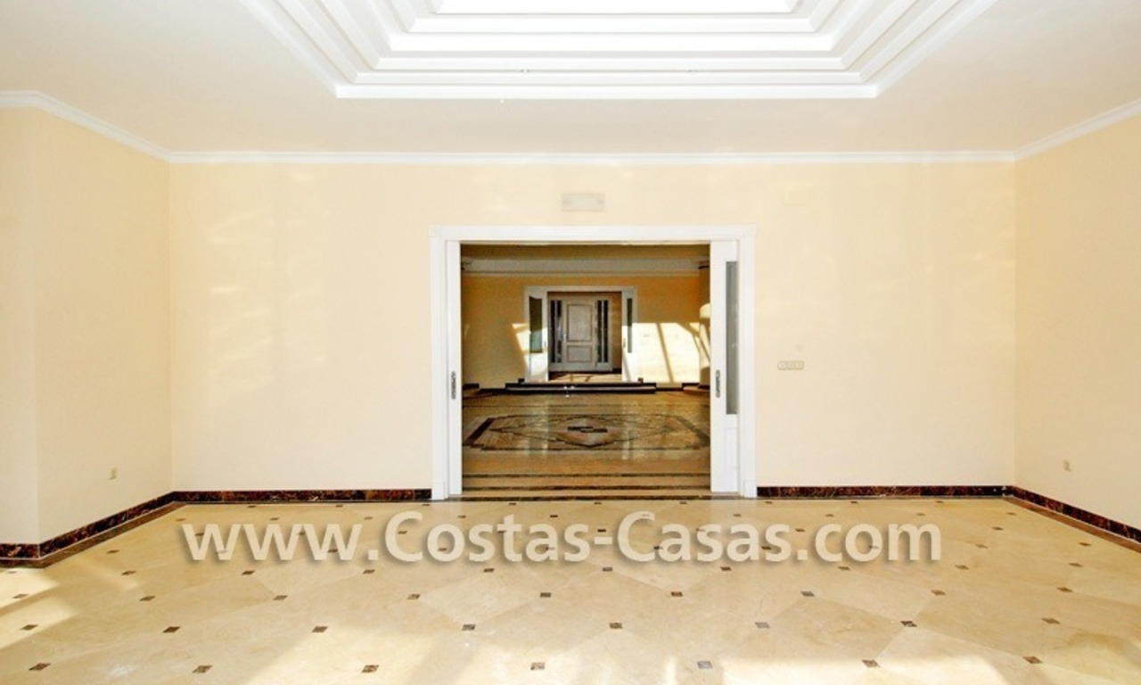 Frontline beach detached villa for sale on gated beachfront complex, Marbella - Estepona 11