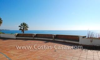 Frontline beach detached villa for sale on gated beachfront complex, Marbella - Estepona 31