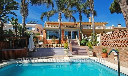 Front line marina villa for sale in Marbella 5