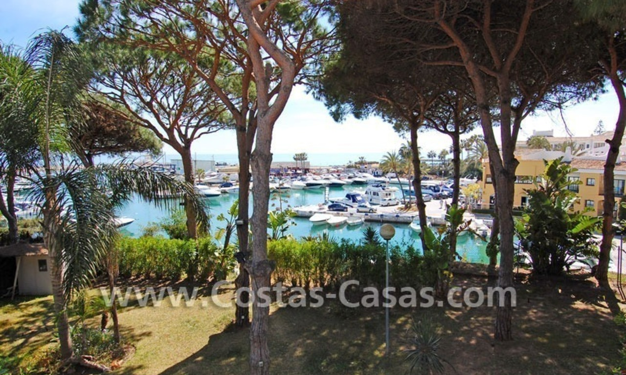 Front line marina villa for sale in Marbella 0