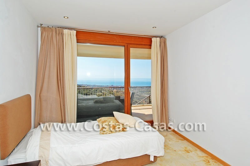 Modern style luxury apartment for sale in Marbella 11