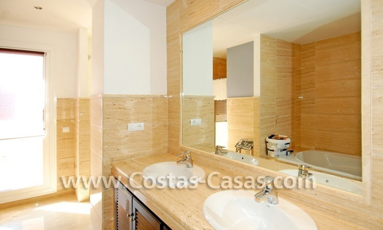 Bargain luxury penthouse apartment to buy in Nueva Andalucia - Marbella 9