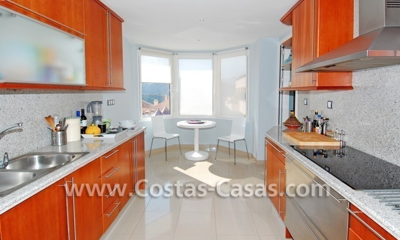 Bargain luxury penthouse apartment to buy in Nueva Andalucia - Marbella 5