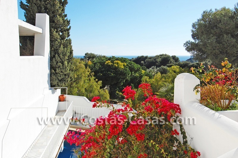 Cozy golf townhouse for sale in East Marbella 0