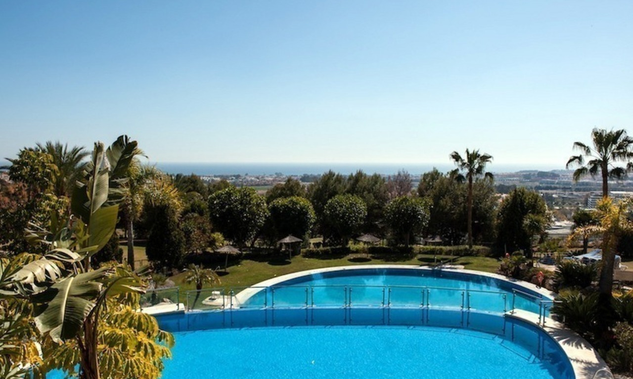 Luxury golf apartment for sale in Nueva Andalucia – Marbella 1