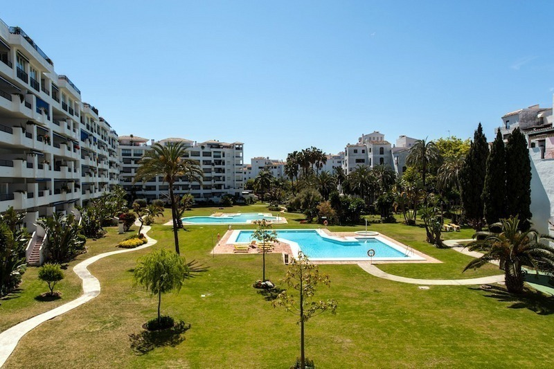 Apartment for sale in central Puerto Banus, Marbella