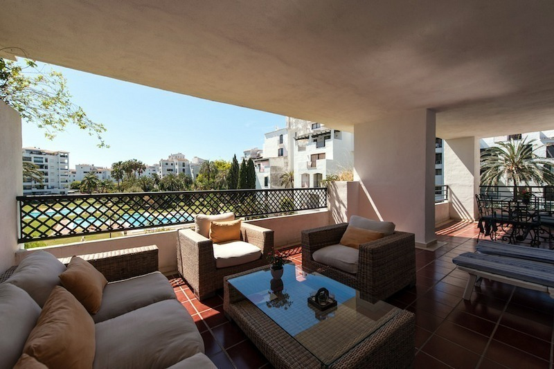 Apartment for sale in central Puerto Banus, Marbella 2