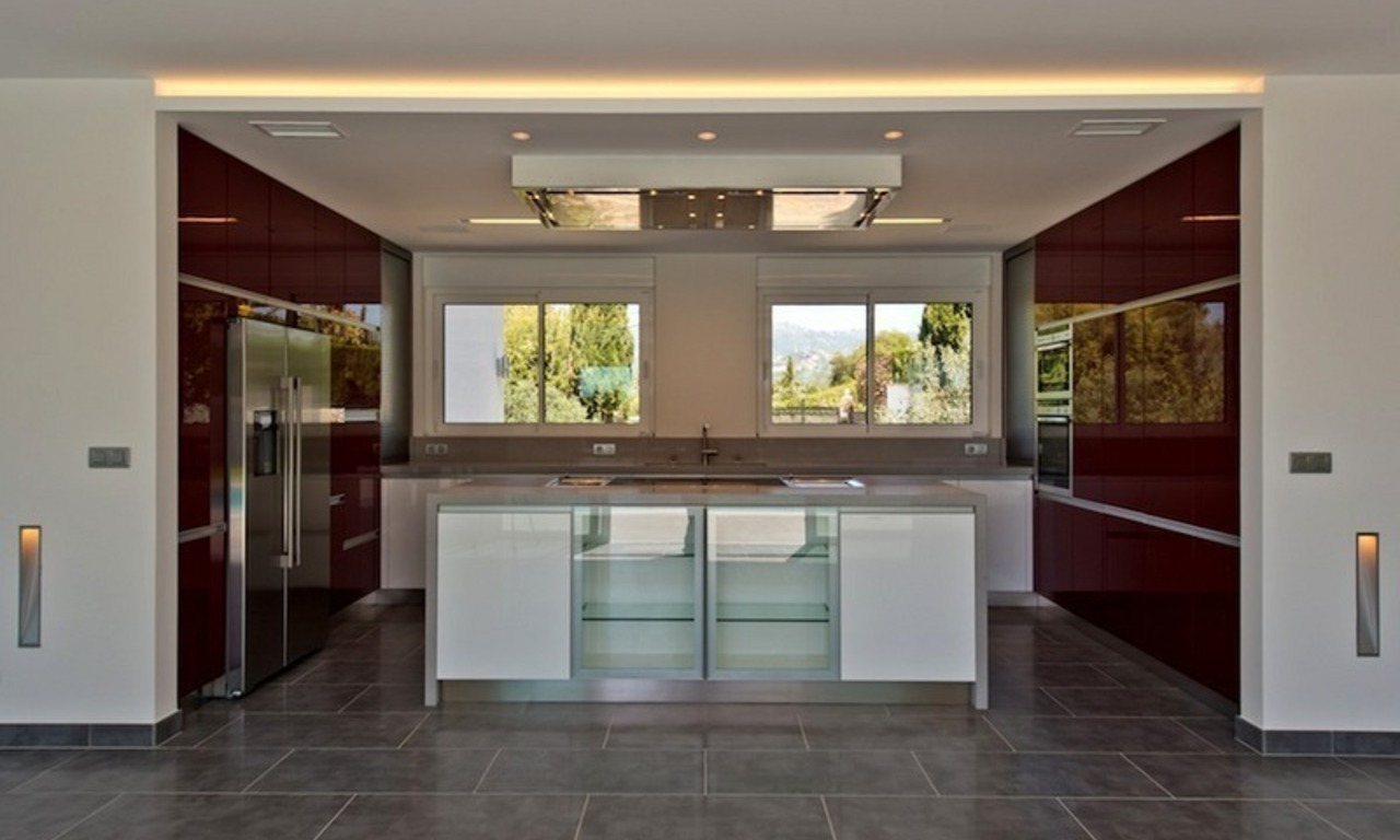 Modern style luxury villa for sale in Marbella 7