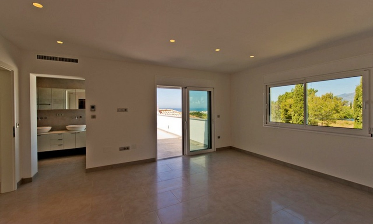 Modern style luxury villa for sale in Marbella 10