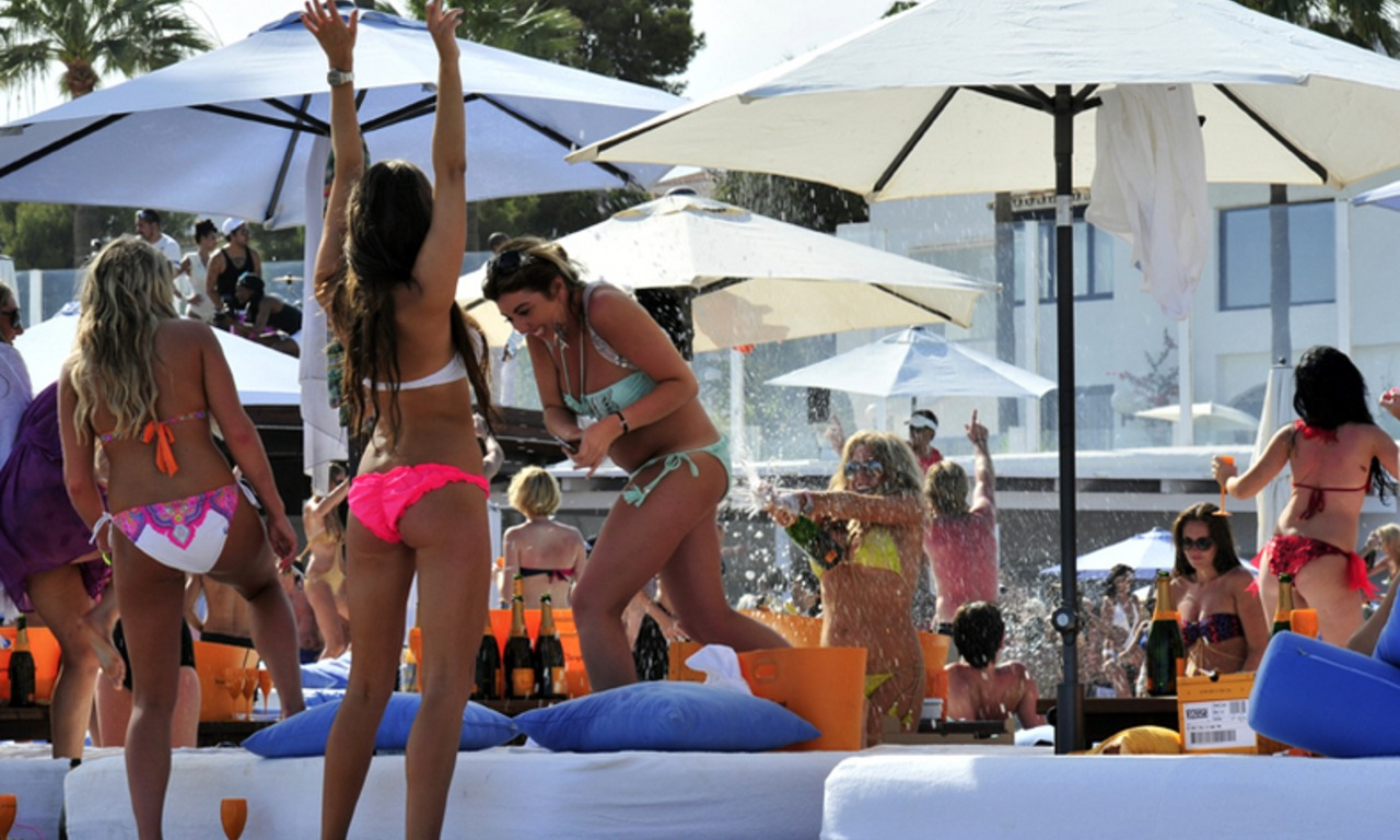 Champagne party May in Ocean Club Marbella 1