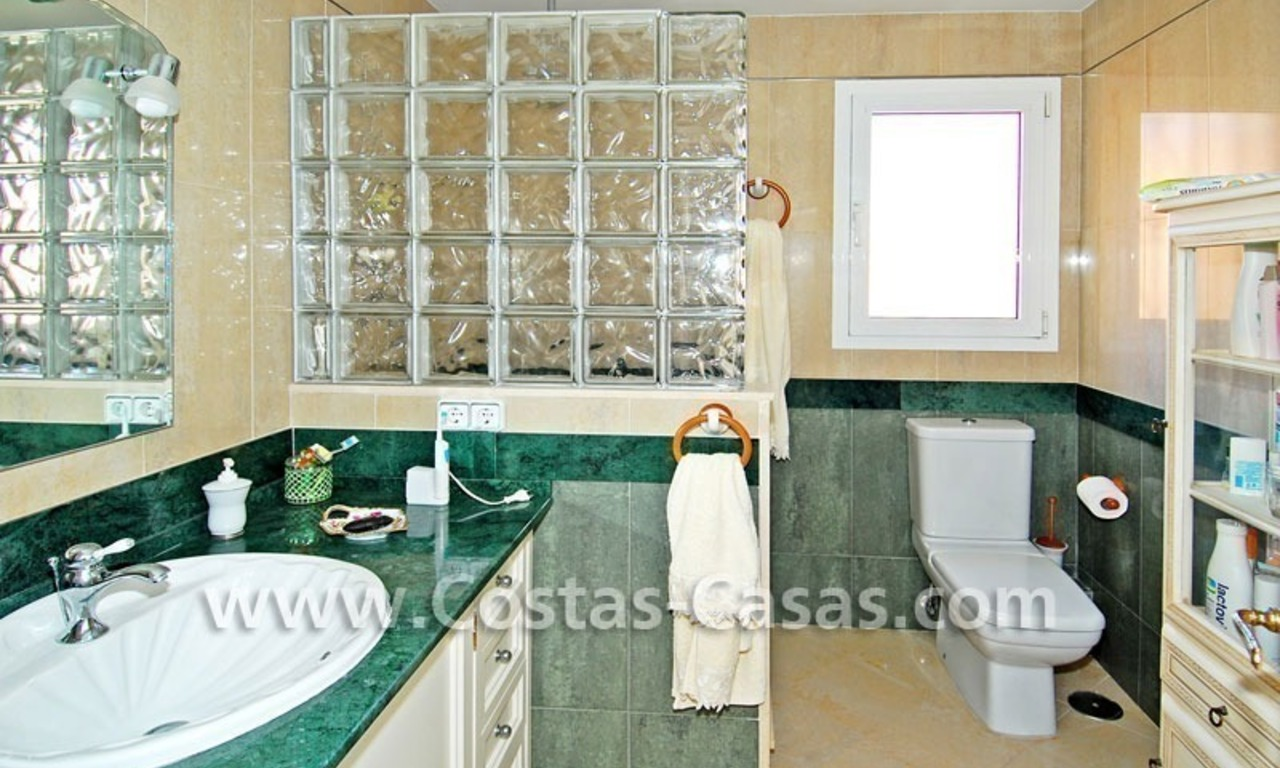 Beachfront townhouse for sale in Marbella 16
