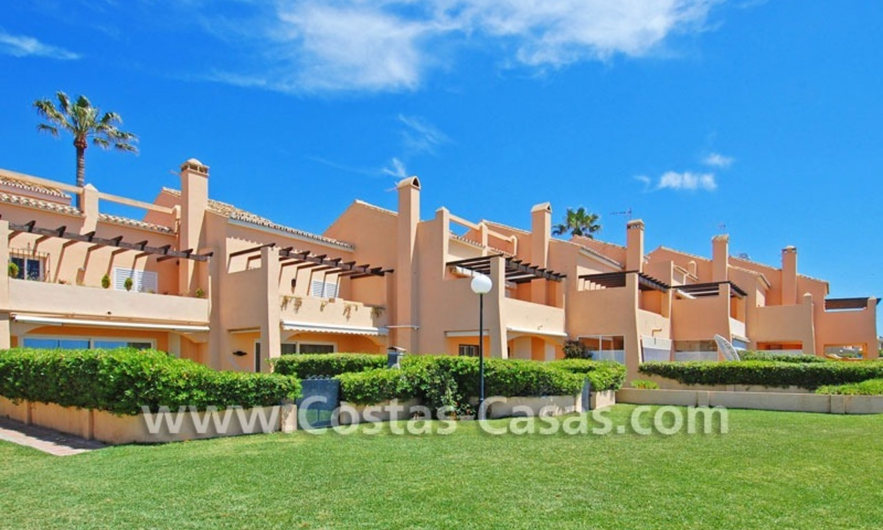 Beachfront townhouse for sale in Marbella 19