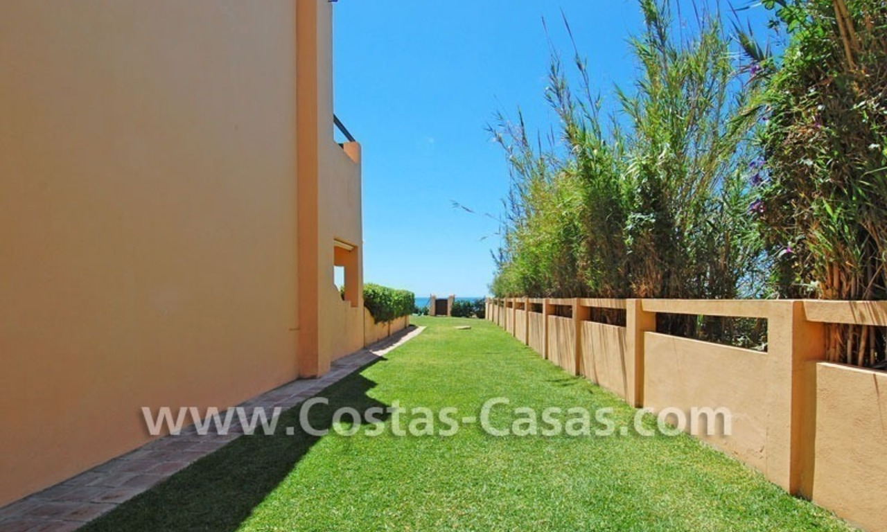 Beachfront townhouse for sale in Marbella 5