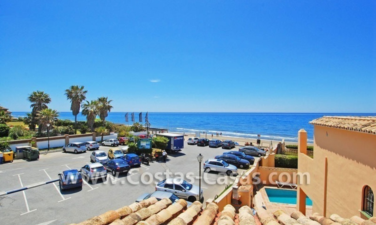 Beachfront townhouse for sale in Marbella 1