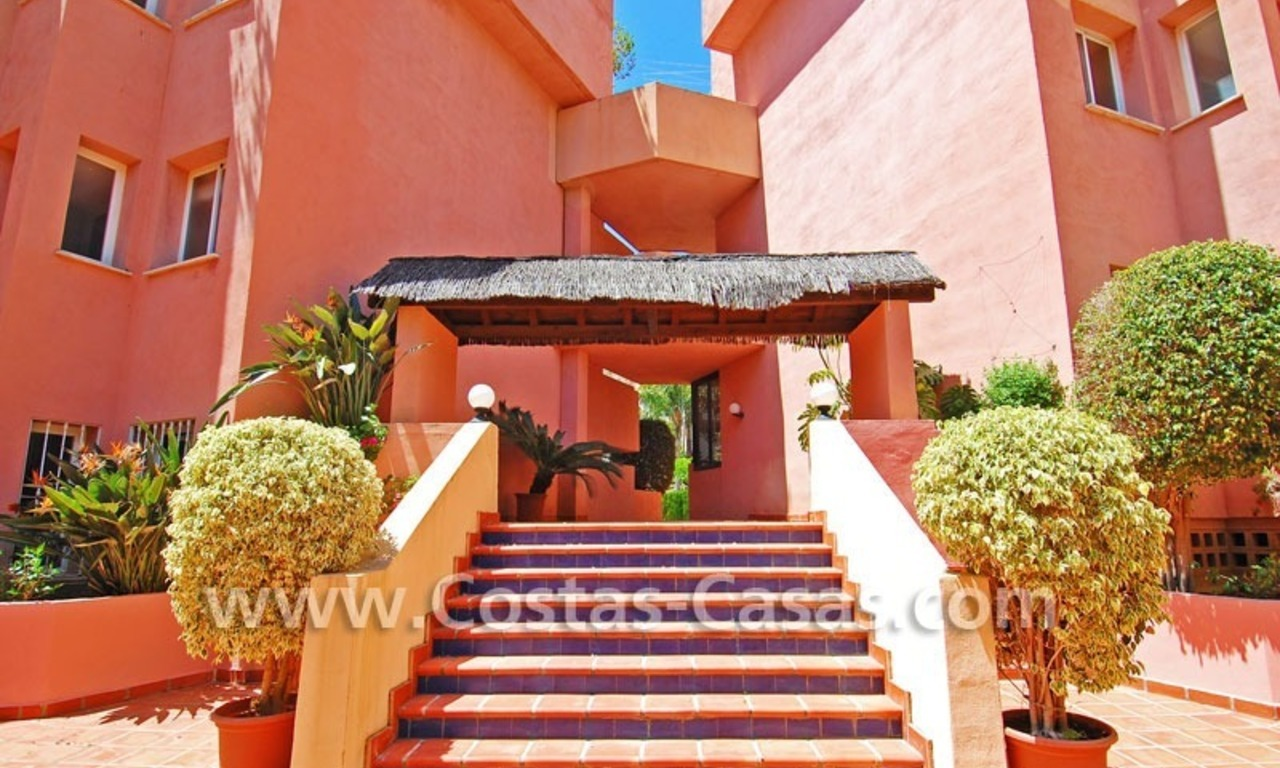 Luxury large penthouse apartment for sale on the Golden Mile in Marbella 18