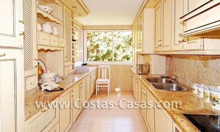 Luxury large penthouse apartment for sale on the Golden Mile in Marbella 10
