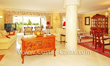 Luxury large penthouse apartment for sale on the Golden Mile in Marbella 9
