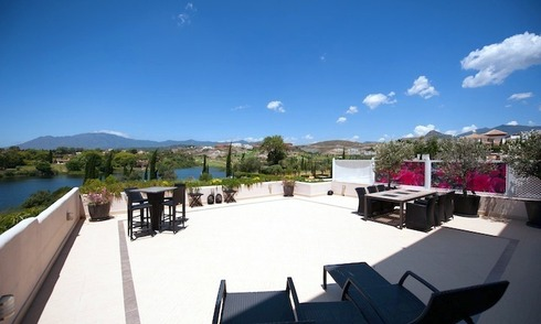 Large luxury apartment for sale on golf resort in the area of Marbella – Benahavis – Estepona