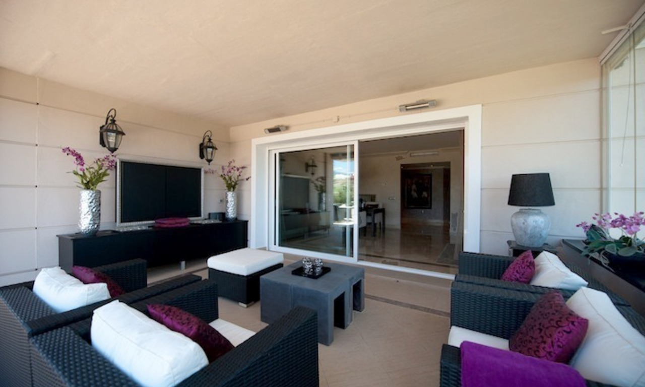 Large luxury apartment for sale on golf resort in the area of Marbella – Benahavis – Estepona 10