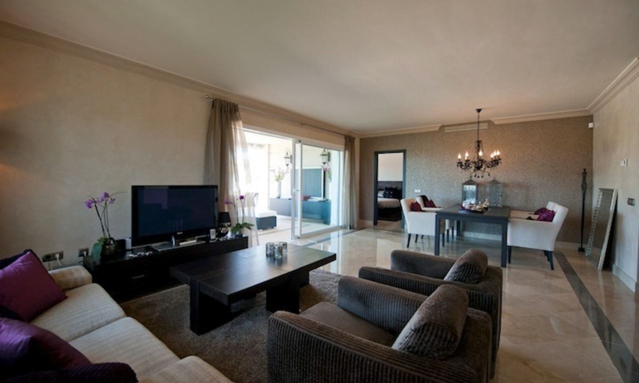 Large luxury apartment for sale on golf resort in the area of Marbella – Benahavis – Estepona 11