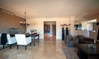 Large luxury apartment for sale on golf resort in the area of Marbella – Benahavis – Estepona 14