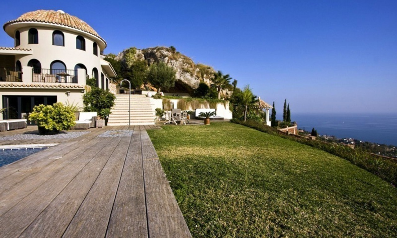 Modern luxury villa for sale in Benalmadena, Costa del Sol 0