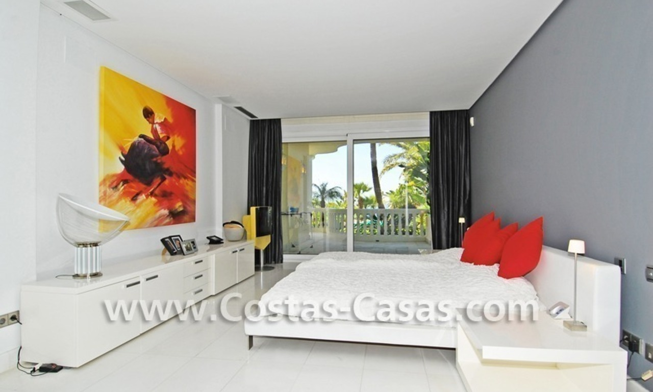 Exclusive beachfront apartment for sale, New Golden Mile, Marbella - Estepona 17