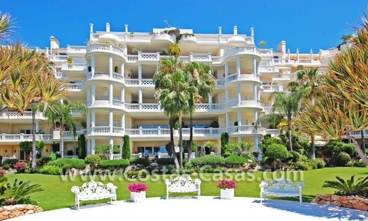 Exclusive beachfront apartment for sale, New Golden Mile, Marbella - Estepona 31