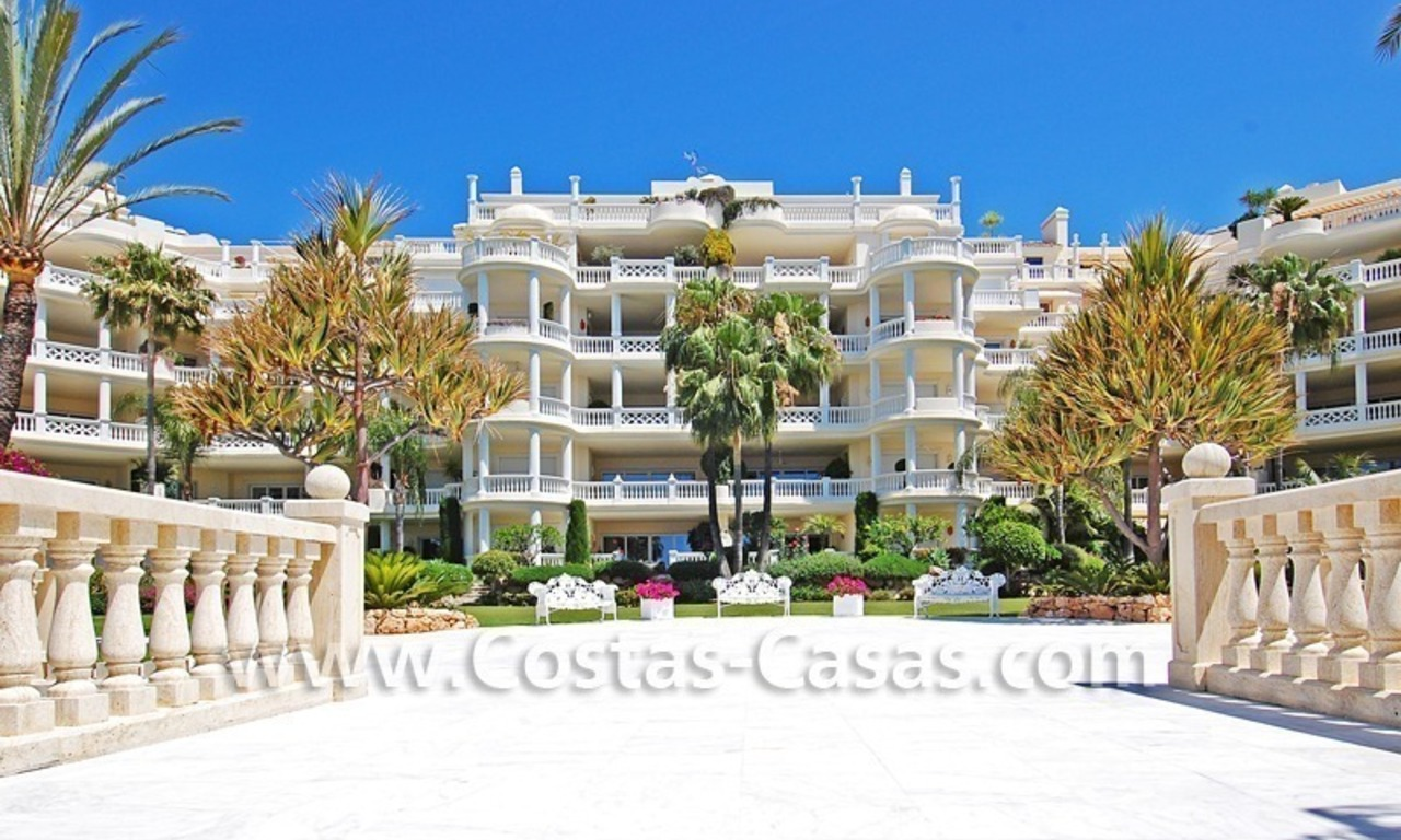 Exclusive beachfront apartment for sale, New Golden Mile, Marbella - Estepona 26