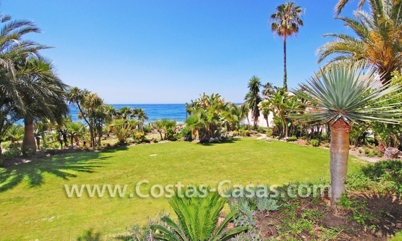 Exclusive beachfront apartment for sale, New Golden Mile, Marbella - Estepona 2
