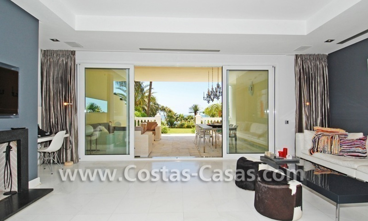 Exclusive beachfront apartment for sale, New Golden Mile, Marbella - Estepona 10