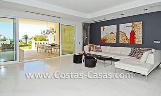 Exclusive beachfront apartment for sale, New Golden Mile, Marbella - Estepona 11