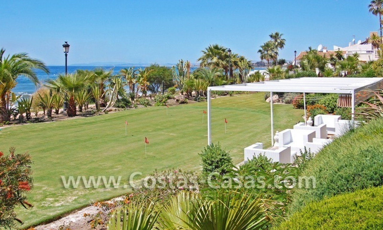 Exclusive beachfront apartment for sale, New Golden Mile, Marbella - Estepona 22