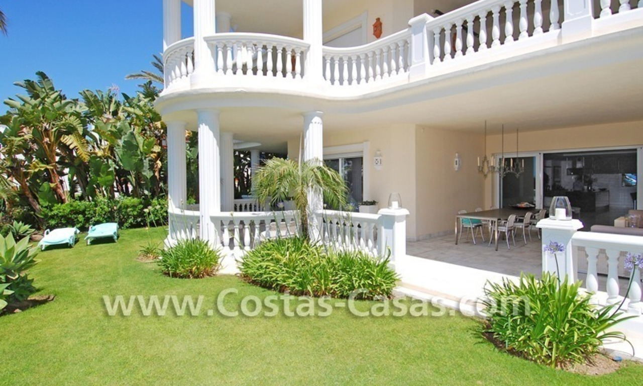 Exclusive beachfront apartment for sale, New Golden Mile, Marbella - Estepona 4