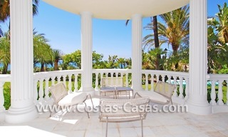 Exclusive beachfront apartment for sale, New Golden Mile, Marbella - Estepona 6
