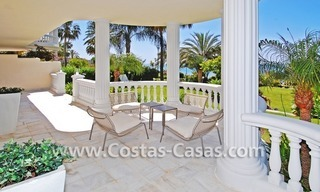 Exclusive beachfront apartment for sale, New Golden Mile, Marbella - Estepona 5