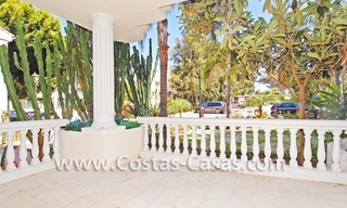 Exclusive beachfront apartment for sale, New Golden Mile, Marbella - Estepona 16